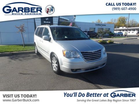 Pre-Owned 2009 Chrysler Town & Country Touring FWD Minivan