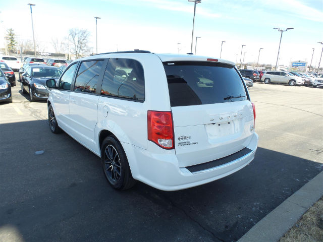 Pre-Owned 2016 Dodge Grand Caravan R/T